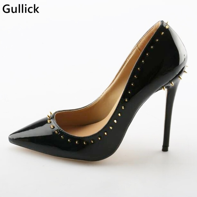da92e6bdd2 Sexy Sapato de Bico Fino Rebites de Ouro Embelezado Bombas De Couro Preto  12 CM sapatos