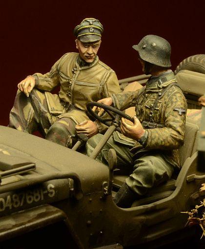 1:35 35530 Waffen SS Jeep crew, Ardennes 1944 декаль waffen ss uniform insignia part no 2 nordland division