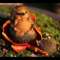 Simulation Cute Hedgehog Statue Resin Craftwork Landscaping Ornaments Garden Animal Decoration G2374