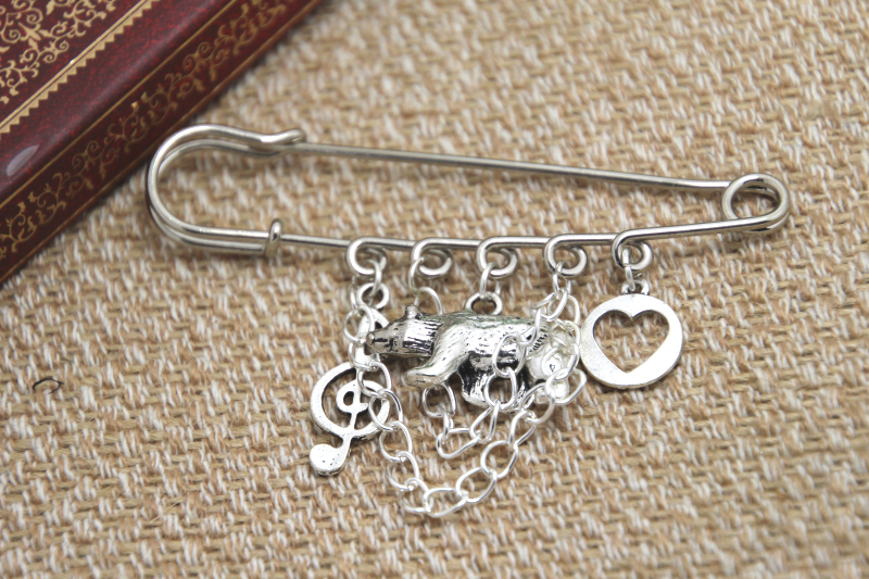 12pcs Shakespeare inspired Twelfth Night themed charm with chain kilt pin brooch (50mm)
