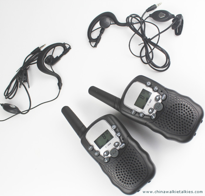 New Walkie Talkie Pair T388 PMR446 Mobile Radio Comunicador VOX Hand-free Talkie Radios W/ Led Flashlight Earphone Charger