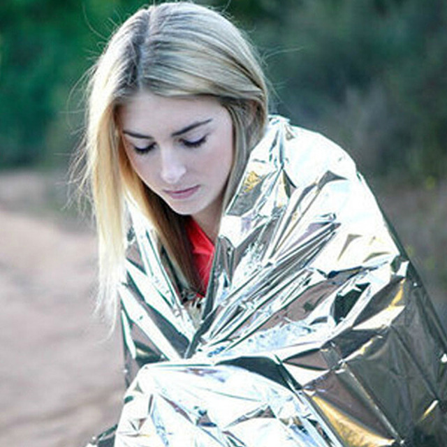 Camping en plein air imperméable à l'eau couverture de survie de sauvetage d'urgence feuille de sauvetage thermique premiers secours isolation thermique Mylar couverture