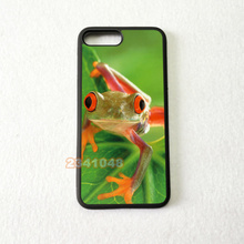 цена на frogs on leaf silicone soft edge hard back mobile phone cases for iphone 4s 5 5c 5s 5se 6s 6plus 7 7plus case cover