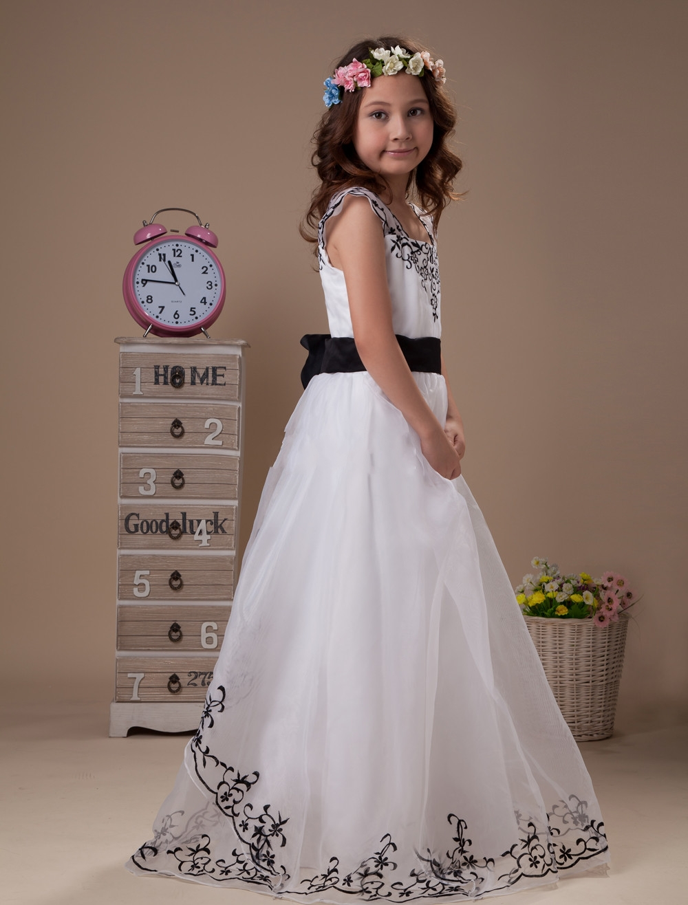Black And White Flower Girl Dresses For Weddings Embroidery Girls