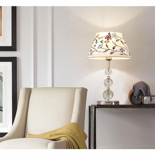Lámpara de mesa de cristal moderna Luz de escritorio creativa para lámparas de dormitorio lámpara de cabecera lámpara de aprendizaje lámpara de ahorro de energía Luz de leche de bebé