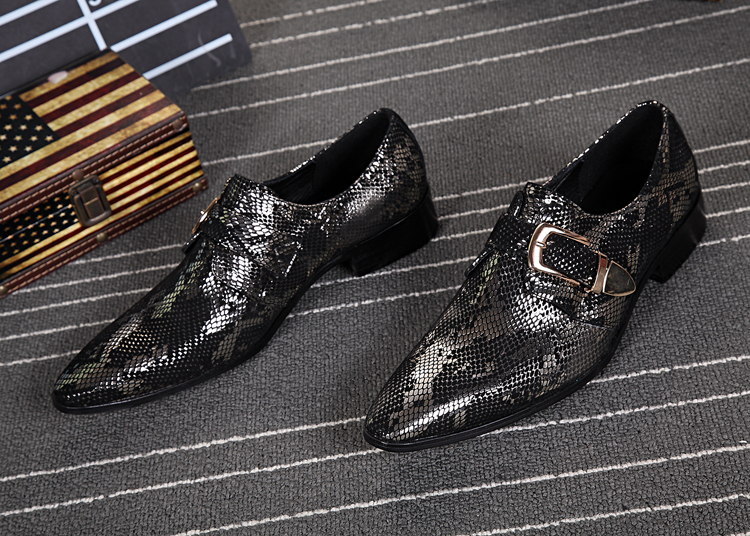 Zobairou European Mens Wedding Shoes Flats Black Classic Italian Shoes Men Snake Skin Leather Smoking Shoes