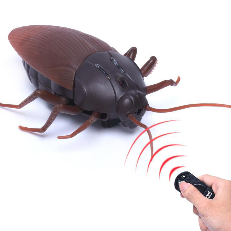 Remote Control Mock Fake Cockroach Toy Prank Insects Joke Scary Trick Bugs M09