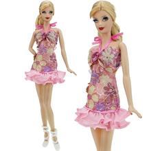 6946a5b15 2 قطعة/الوحدة = 1x الحلو الوردي اللباس زهرة نمط مرونة تنورة + 1x الأبيض  الباليه أحذية الملابس ل دمية باربي اكسسوارات هدايا
