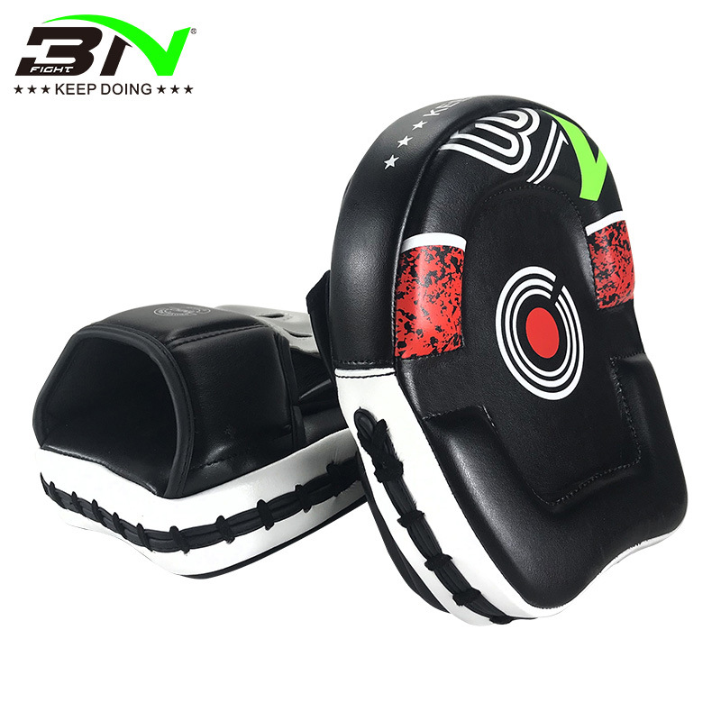 Kick Boxing Training Focus Curved Mitts pad Punch MMA Strike Muay Thai Sparring