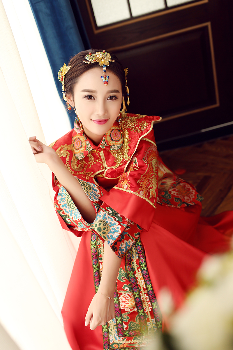 d9b1f03993a9 Spring and summer clothing Xiu he Chinese red wedding dress bride cheongsam  Phoenix gown Chinese fashion show kimono Outfit
