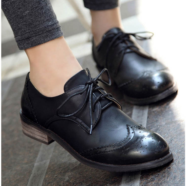 New 2016 Vintage Pu Leather Oxford Shoes For Women Fashion Carve Brogue  Lace Up Women Oxfords Ladies Casual Flat School Shoes-in Women s Flats from  Shoes on ... a2444c4c58