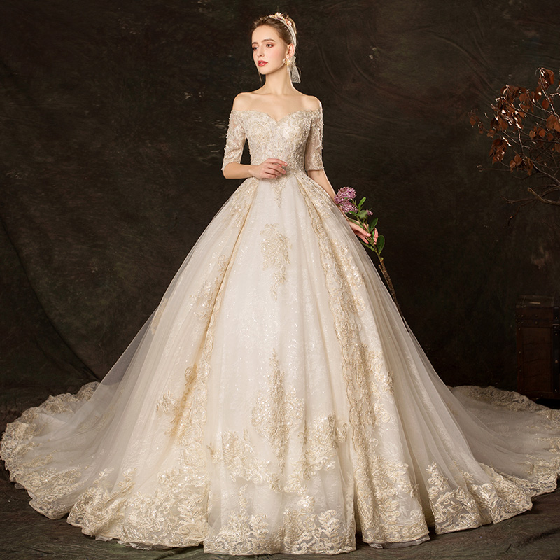 Gorgeous Wedding Dress 2019 Gold Appliques Lace Bridal Gown Magnificent Ball Gown Party Dress Bridal Dress