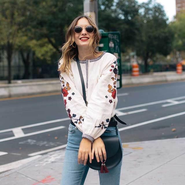 Blusa camisas das mulheres bordado floral mangas boho chic branco padrão de algodão encabeça blusas moda mulheres marca clothing