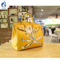 2018 Street Style Hand Painted Graffiti Rock Skull Classic Handbag Genuine Leather Yellow Hardware Ladies Handbag Totes Bags Y