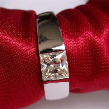 Bague de fiançailles en diamant
