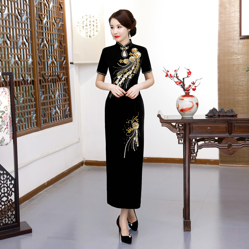 Velvet Pearl Cheongsams Mom Fashion Black Traditional Women Handcraft Beads Long Cheongsam Top Chinese Elegant Qipao Dress