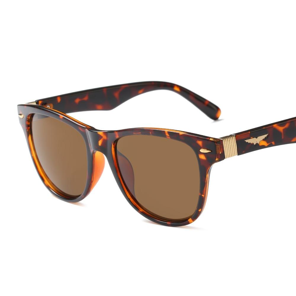 2018 Hot Sale Fashion oval resin alloy street shot retro Men women uv400 Sunglasses Vintage Brand star Designer Ladies PC-108