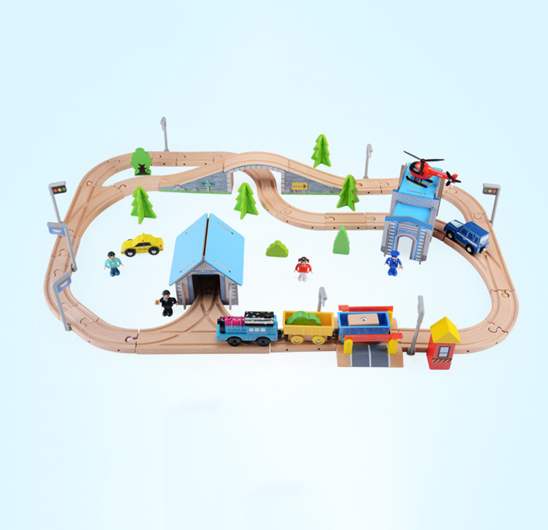цены  80pcs Slot Car Track Toys Rail /Road Train Bus  Set Square City Traffic Scene Wooden Rail Track Locomotive Toys For Children