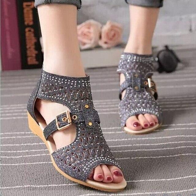 Kadınlar roma sandalet Bling yaz ayakkabı kadın moda takozlar burnu açık toka Sandalias Mujer geri fermuar kadın ayakkabı SH022309