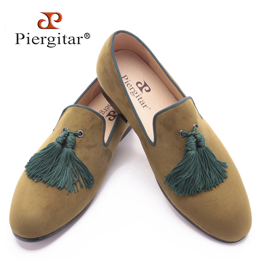 Piergitar 2017 men two color velvet shoes with new style green tassel luxurious prom and Banquet men dress loafers men's flats piergitar 2016 new india handmade luxurious embroidery men velvet shoes men dress shoes banquet and prom male plus size loafers