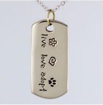 Nowy kot Paw Print pies tag naszyjnik hot sprzedaż na żywo miłość przyjmować nieśmiertelnik niska cena niestandardowe dla zwierząt domowych psów ratowniczych tag tanie kot tag naszyjnik tanie i dobre opinie cats Metal NECKLACE