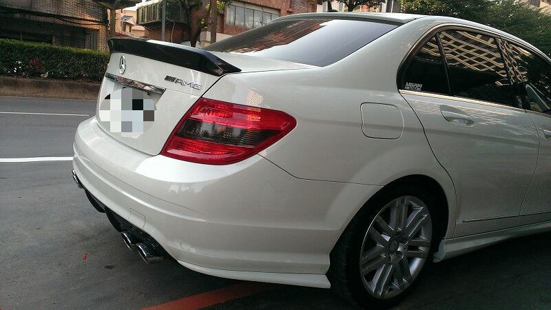 W204 C63 Carbon Fiber Rear Trunk Boot Spoiler Wing Lip for Mercedes - Auto Replacement Parts - Photo 2