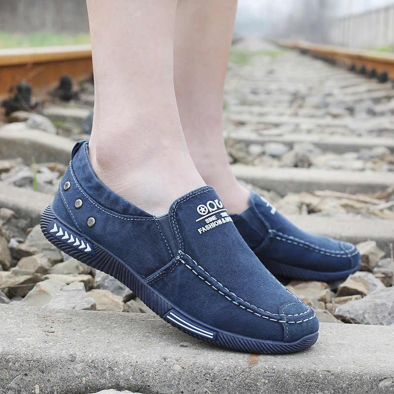 OUDINIAO قماش حذاء رجالي الدينيم أحذية رياضية قماش الانزلاق على أحذية الرجال حذاء كاجوال 2018 Plimsolls تنفس الذكور الأحذية الربيع