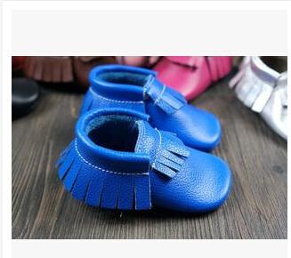 Nuevo Cuero Genuino de la Vaca Del Bebé Mocasines Soft Moccs Bebé ARCO Zapatos de las muchachas de Bebé Recién Nacido primer caminante antideslizante Infantil zapatos Calzado