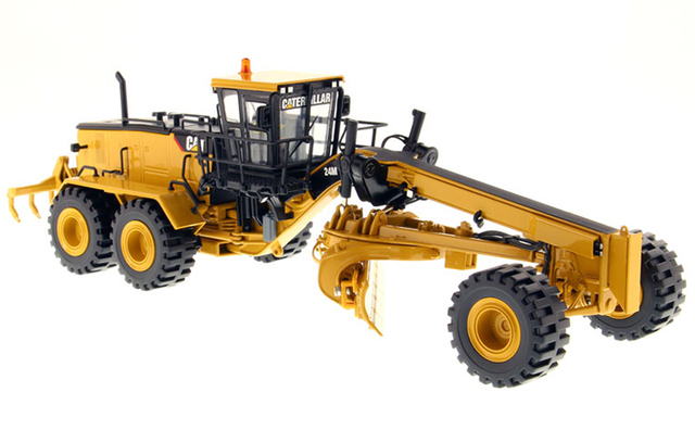 DM 1:50 CAT 24M Caterpillar Caterpillar 24M Motor Grader Model 85264 Alloy engineering vehicle model Collection model Tin packag