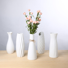 Classic White Ceramic Vase Chinese Arts And Crafts Decor Contracted Porcelain Flower Creative Gift Wedding Decoration vase