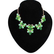 New fashion joker texture small pure and fresh and crystal resin candy color socialite prosperous flower necklace