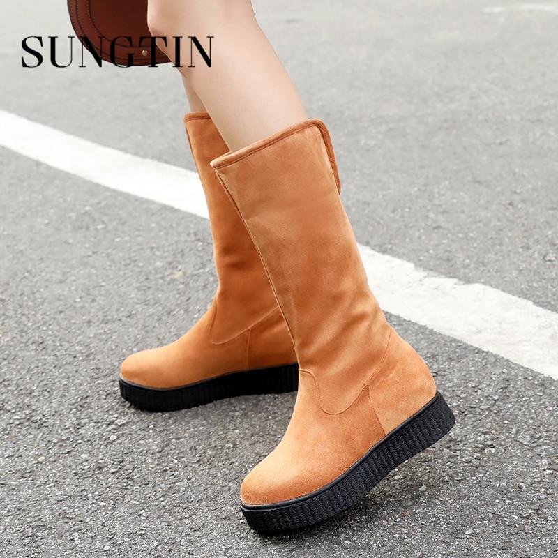 Sungtin New Plush Warm Winter Boots Women Classic Black Faux Suede Platform Snow Boots Ladies Plus Size Casual Flat Mid Boots недорго, оригинальная цена