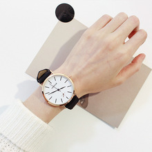 2019 New Hot Retro Style Art Small Fresh Sen Female Watch Female Student Korean Version of The Simple Alloy Quartz Leather watch girl student korean version of the simple retro small small disc female table small round black with black face