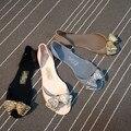Летом новый приход Женщин супер красоты золотистый бантом желе сандалии пляжная обувь