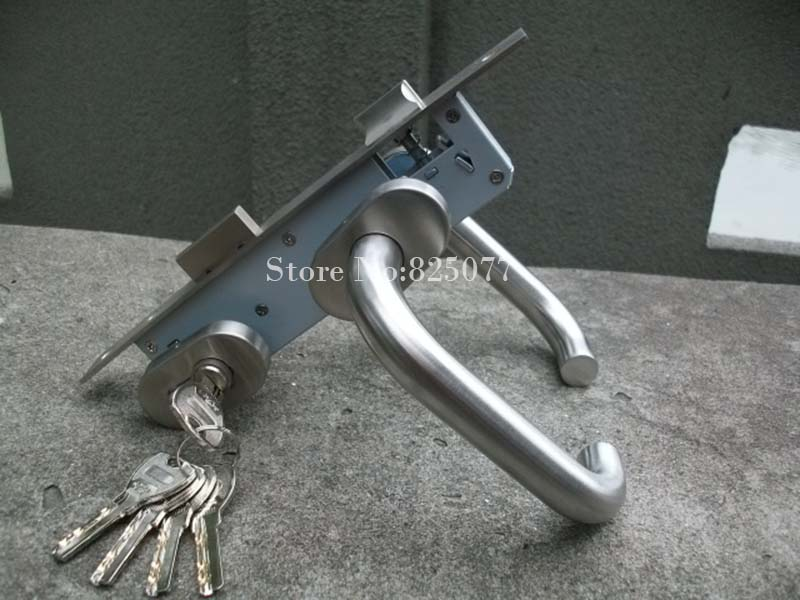 Livraison gratuite vente chaude en acier inoxydable poignée en aluminium porte poignée/barres de porte poignée/clôture porte poignée avec 5 pièces clé HM168