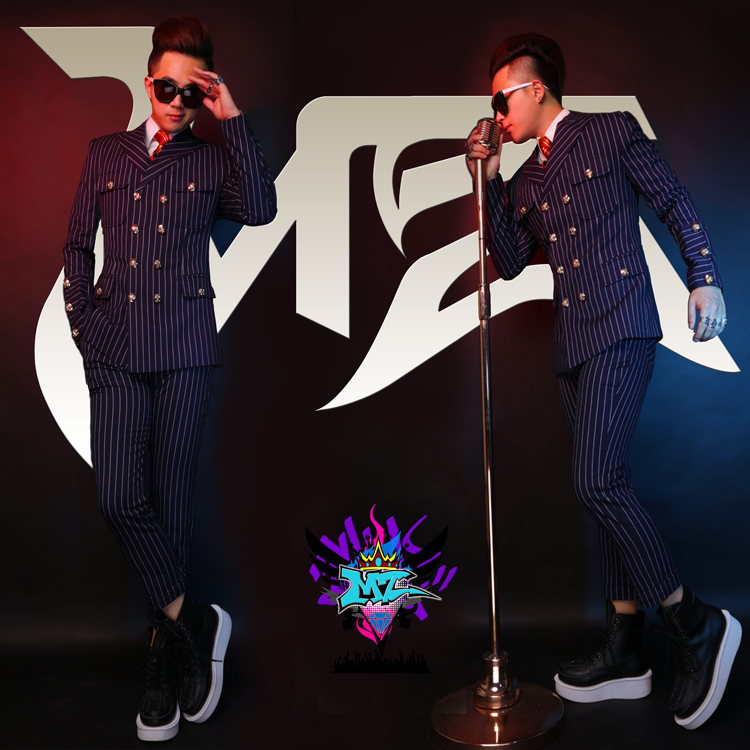 2018 New The Male Dj Male Singer Costume Suit Right Zhilong Slim Bar Stage Loaded Suit Tide Vertical Stripes Suits