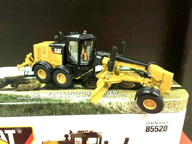 RARE Caterpillar Cat 12M3 Motor Grader HO Scale 1/87 DieCast By DM #85520