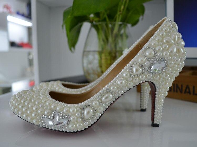 Glamorous White Round Toe Heels Women Elegant Crystal Flowers Pearl Decoration Slip-on Spike Heel Pumps Pretty Party WeddingShoe glamorous glamorous ac0363 white navy stripe