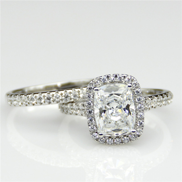 Women 9K White Gold 2CT Radiant Cut Diamond Eternity Wedding Engagement Ring