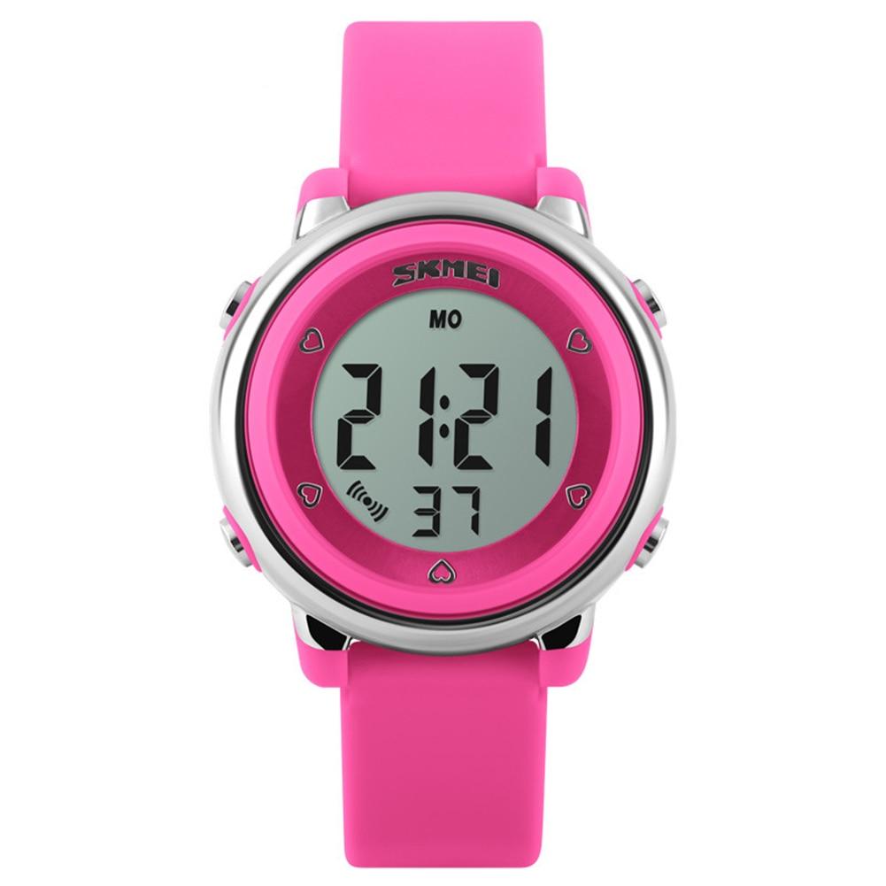 купить Outdoor Sports Kids LED Alarm Digital Watch Stopwatch Children's Wristwatch по цене 292.39 рублей