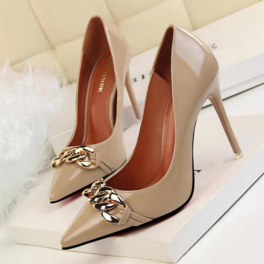 2017 New Women  Sexy Pumps Fashion High Heels Shoes Thin Heeled Shallow Mouth Pointed Metal Chain Buckle Single Shoes G743-1 new spring summer elegant pumps fashion sexy slim thin metal heel shallow mouth pointed sweet bow suede high heeled shoes g395 2