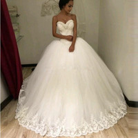 Popular Puffy Ball Gown Sweetheart Beaded Pearls Lace Wedding Party Dress Custom Made