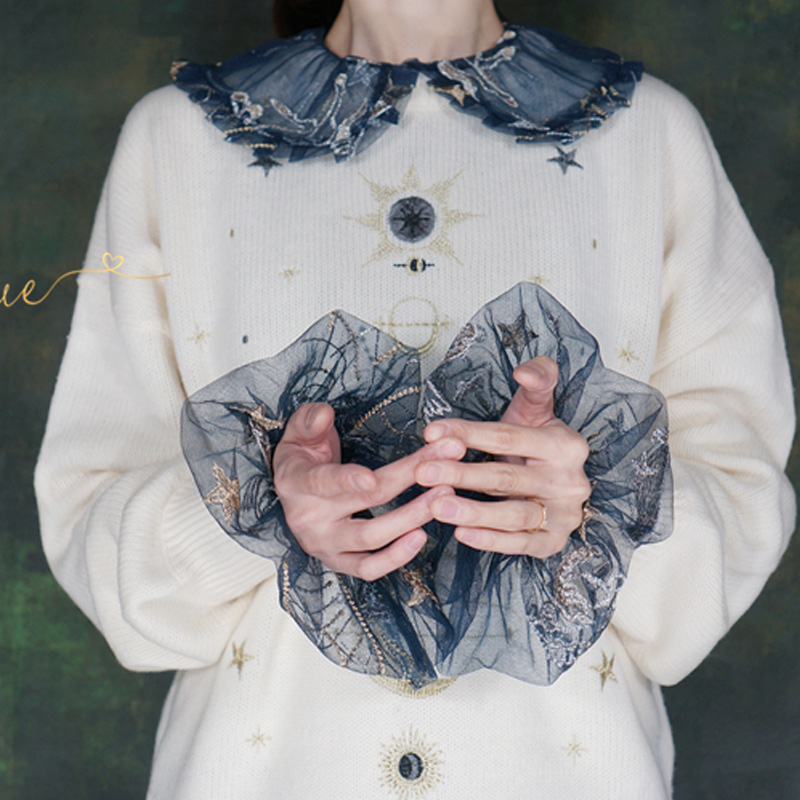 Navy Blue Gold Line Star Horse Pattern Pleated Laced Palace Wind Pleated White Retro Court Style Lolita White Fungus Fake Cuffs