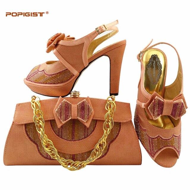 2386500ef3fee فراشة زهرة مزينة الخوخ الأحذية الايطالية مع أكياس مطابقة الراين الأحذية  والحقائب مجموعة الزفاف الأفارقة