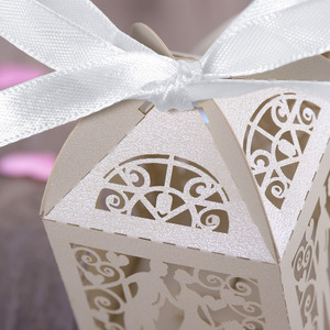 Image 4 - Cajas de Regalo para dulces de boda de corte láser de lujo, diseño de pareja, con cintas decorativas para mesa, color blanco, 100 Uds.