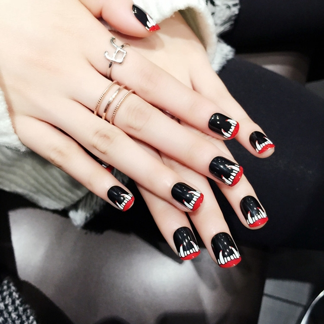 Glamour Vampire Black Artificial Nail Short Flat Press On Nails