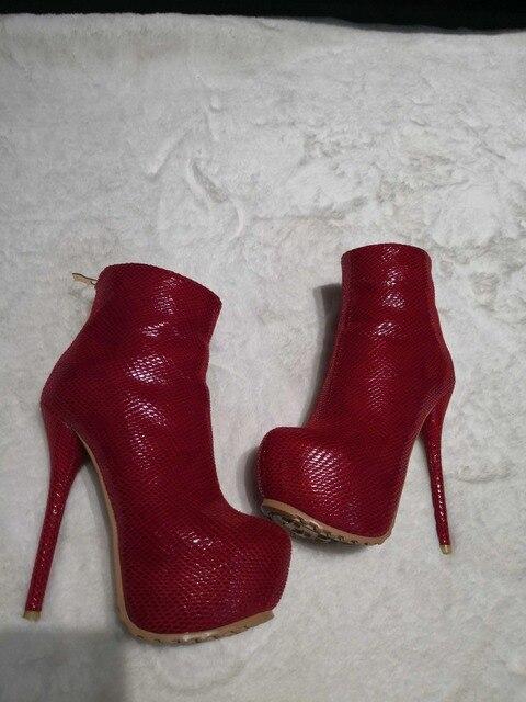Botas mujer sezy kırmızı platform yüksek topuk yarım çizmeler kadın yılan derisi baskı yuvarlak ayak fermuar düğün ayakkabıları kadın size47