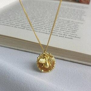 Image 1 - Silvology 925 Sterling Silber Cartoon Insekt Biene Halskette Gold Original Modische Weibliche Anhänger Halskette 925 Geburtstag Schmuck