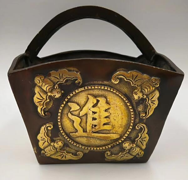 Chinese ancient brass amass fortunes treasure basket handicraftChinese ancient brass amass fortunes treasure basket handicraft