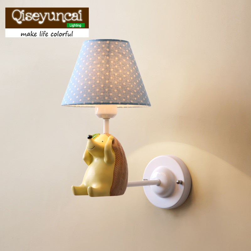 Qiseyuncai 2018 new Nordic Village Simple Small Fresh Elephant Small Hedgehog Wall lamp Children